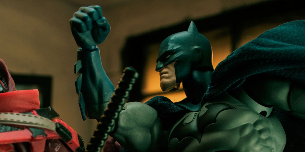 Toypixx Mafex Batman punches out a Red Ninja