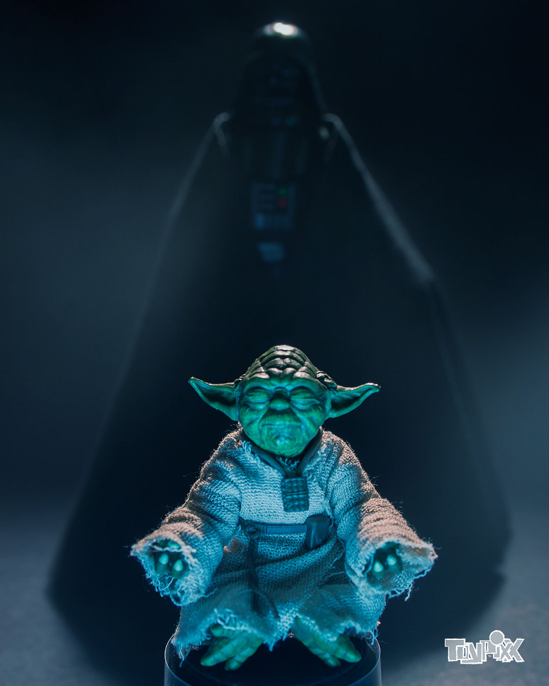 Toypixx Star Wars Black Series Yoda and Darth Vader Toy Photography